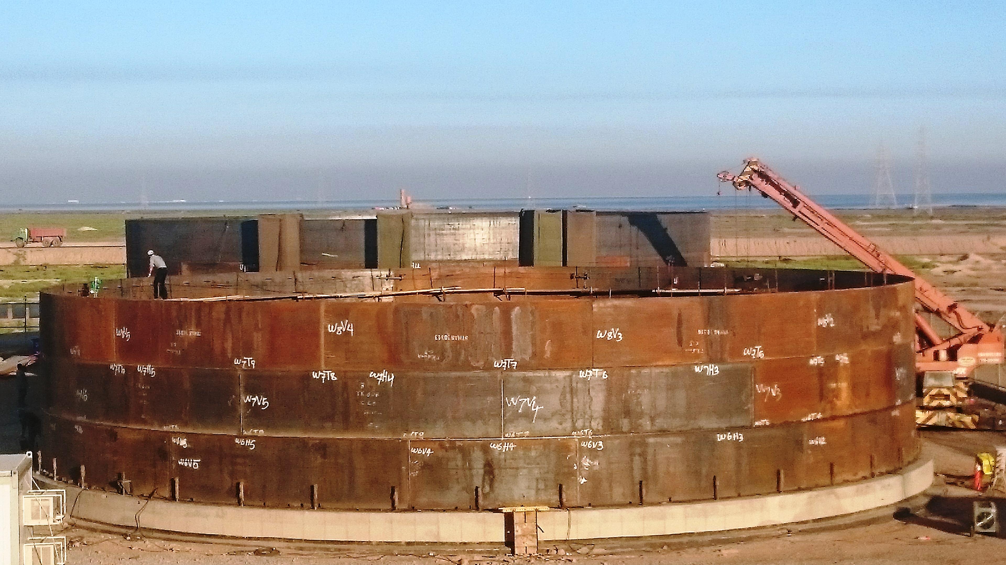 طراحی 2 واحد تفكيك گر نفت و گاز شمالی و جنوبی (GOSP)