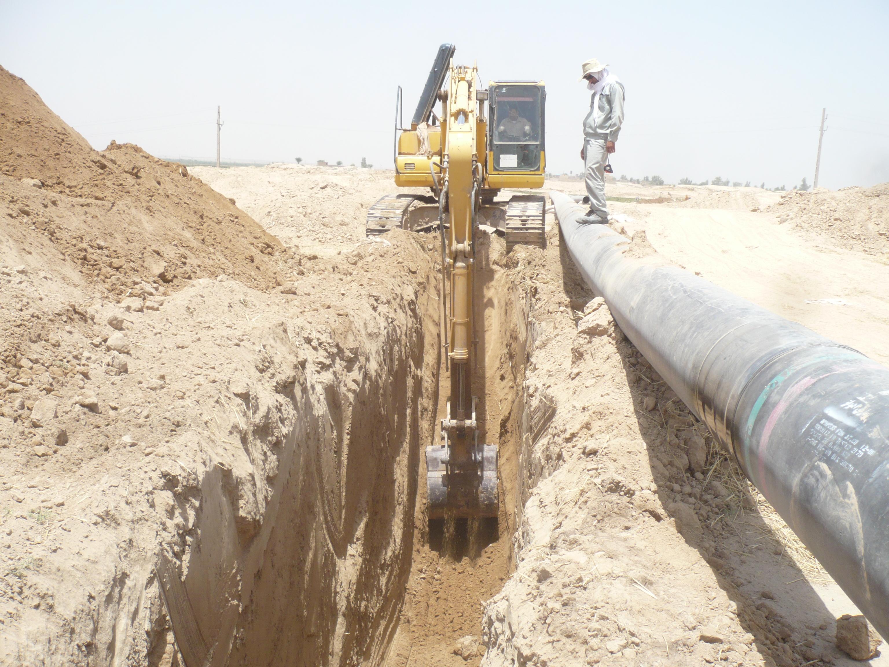 تاسيسات تامين و انتقال آب بهاباد به چادرملو