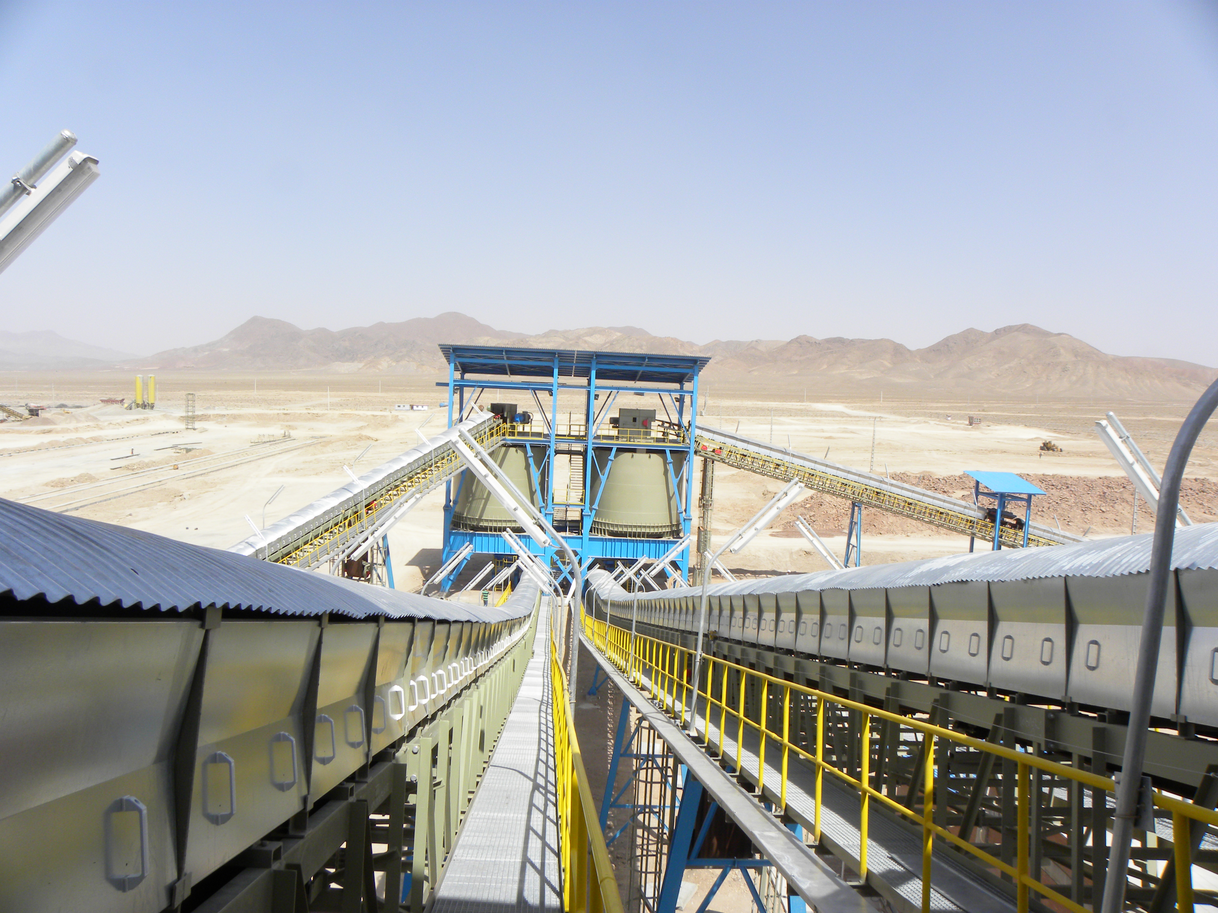 كارخانه توليد كنسانتره سنگ آهن زرند و سيرجان